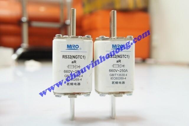 Cầu chì Miro RS32(NGTC1) 250A