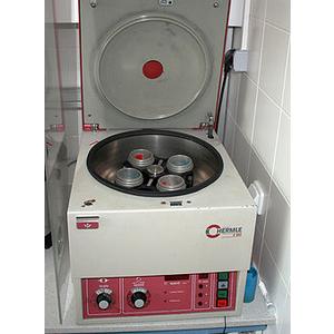 Sửa chữa máy ly tâm phòng thí nghiệm