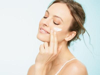 Chăm sóc da vào mùa mưa