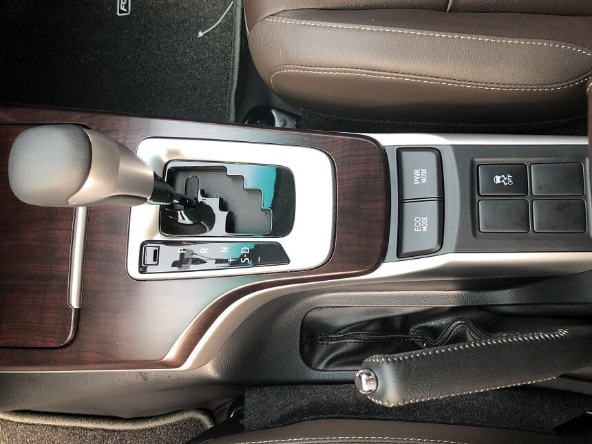Chế độ lái Eco và Power trên Fortuner