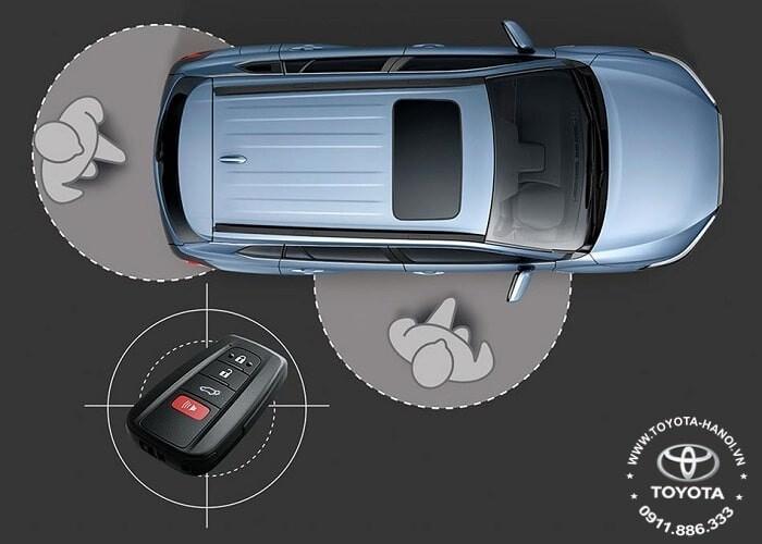 chìa khóa thông minh xe toyota corolla cross 2021