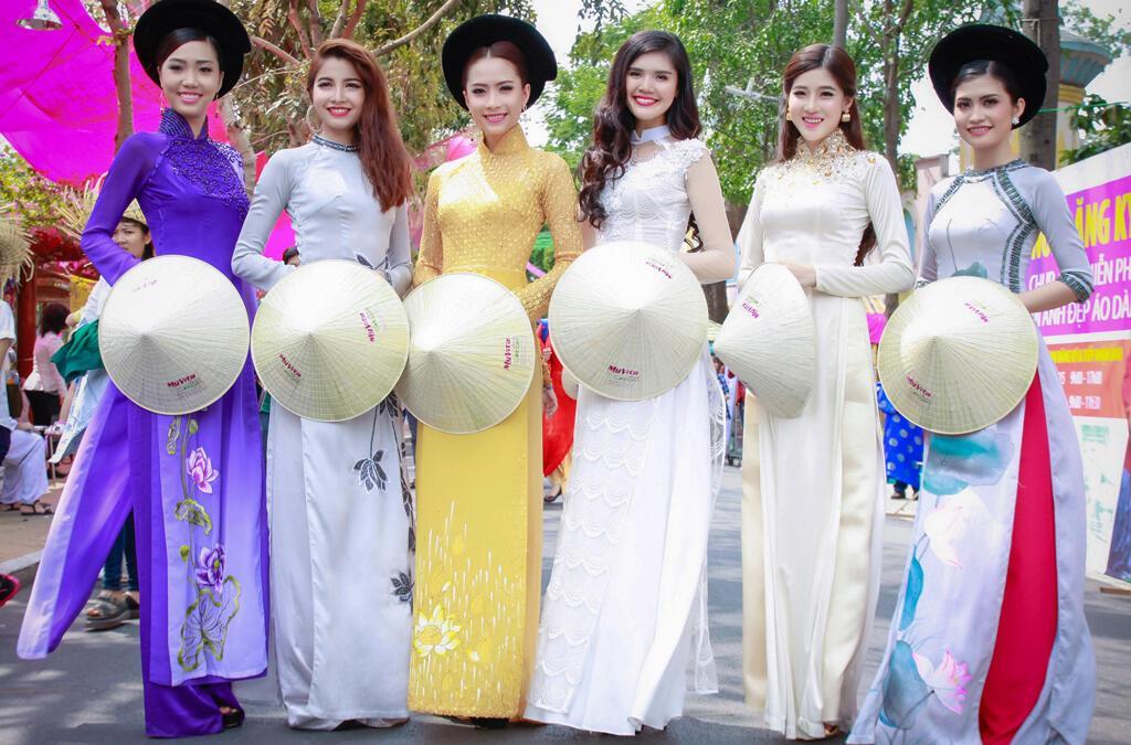 Tuấn Nguyễn chuyên cung cấp các dịch vụ phục vụ cưới hỏi, đám tiệc, sự kiện