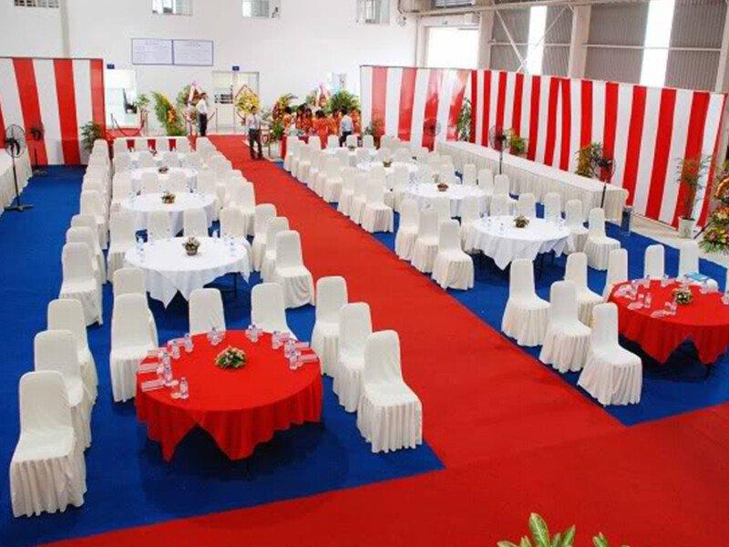 Cho thuê bàn ghế giá rẻ tại Quận 2 - Tuấn Nguyễn