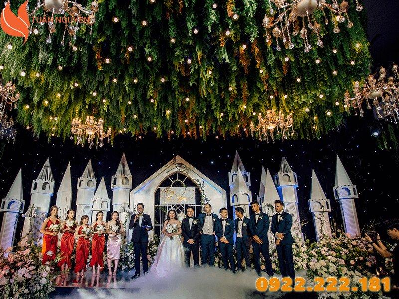 Trang trí tiệc cưới theo chủ đề Christmas