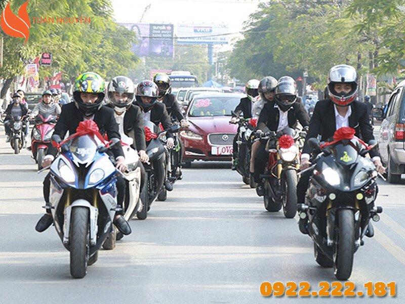 Đón dâu theo phong cách Motorcycle vừa chất vừa ấn tượng