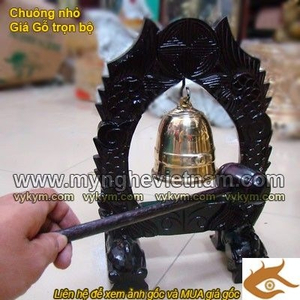 Chuông đồng có giá gỗ cỡ nhỏ dùng trong đền chùa, nhà thờ, điện thờ