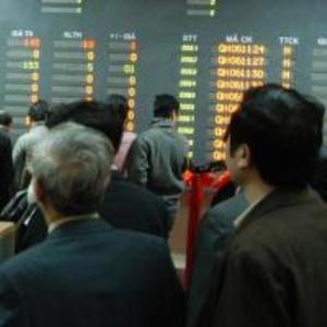 """Cổ phiếu BĐS, dầu khí """"đốt"""" nóng thị trường"""
