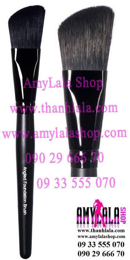 Cọ xéo Studio Angled Foundation Brush (Made in USA) - 0933555070 - 0902966670 - www.thanhlala.com -