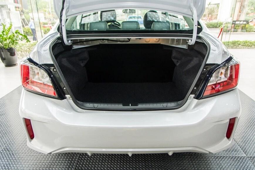 Cốp xe dung tích 450L trên Attrage CVT Premium