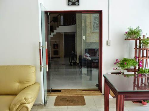 Cửa bản lề sàn, cửa thủy lực