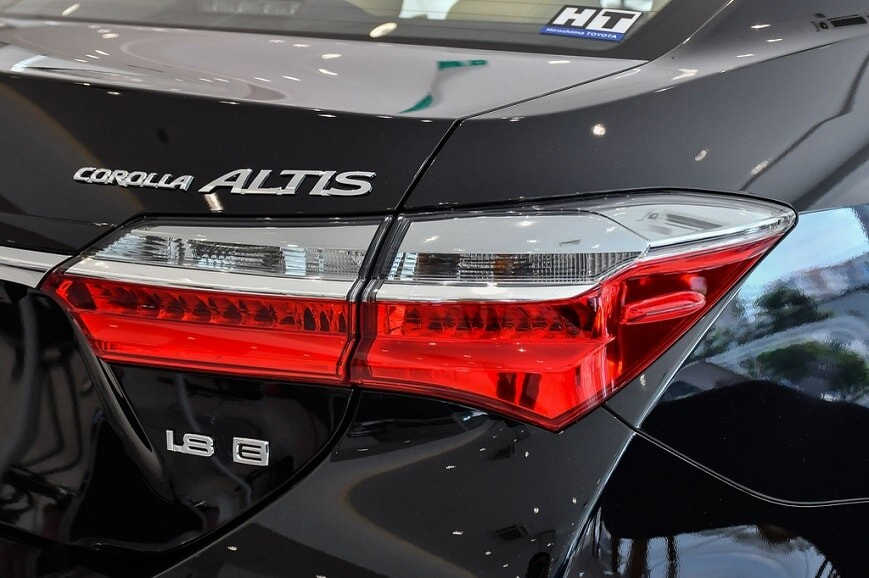 Cụm đèn hậu xe Corolla Altis bản E số tự động