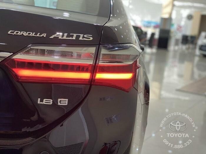 Hệ thống đèn hậu xe Altis 2021