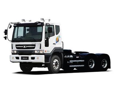 Đầu kéo Daewoo 2 cầu 6x4, 66 tấn, động cơ 340 hp euro 4
