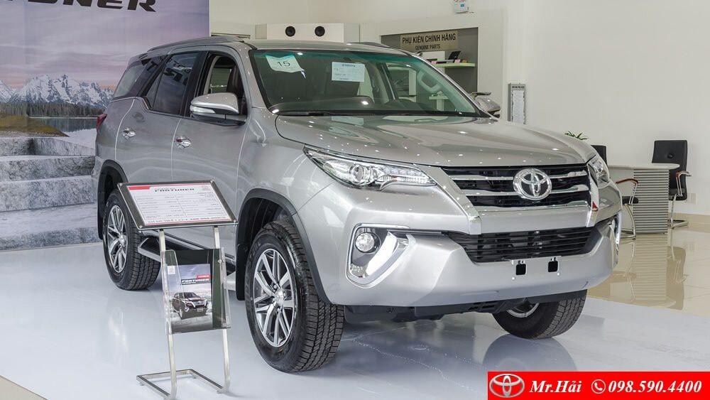 Giá xe Toyota Fortuner 2 cầu 2.8