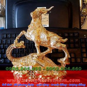 tượng dê đứng trên gậy như ý mạ vàng 18k và 24k làm quà tặng phong thủy