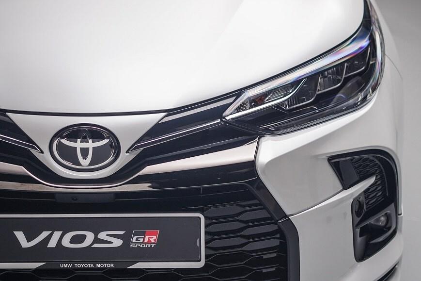Đèn chiếu sáng Full LED trên phiên bản GRS của Toyota Vios