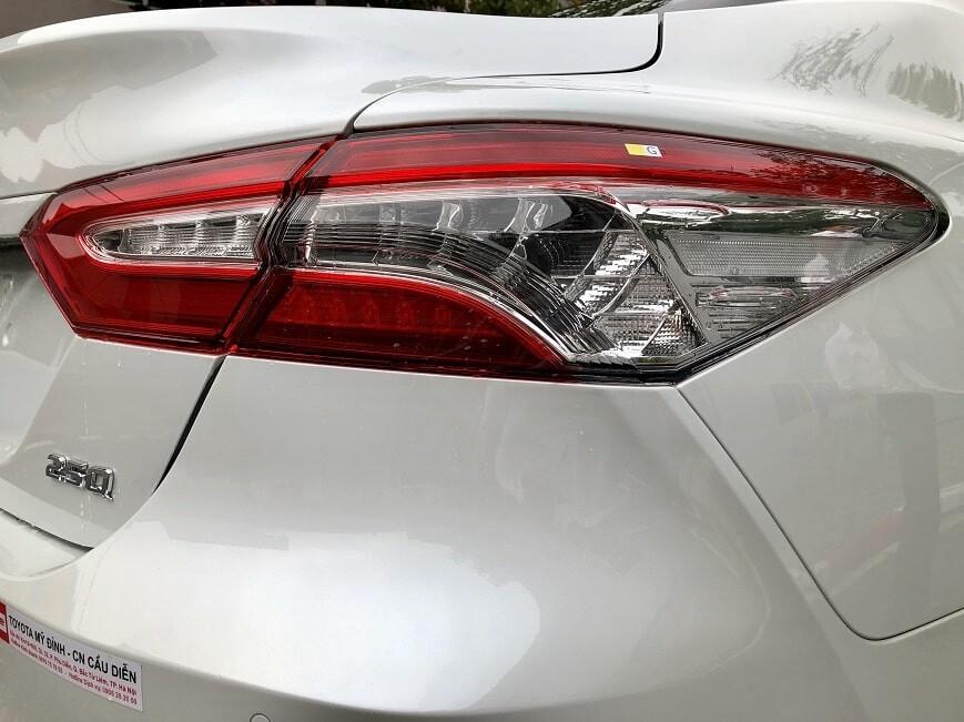 Đèn hậu Toyota Camry 2.5Q