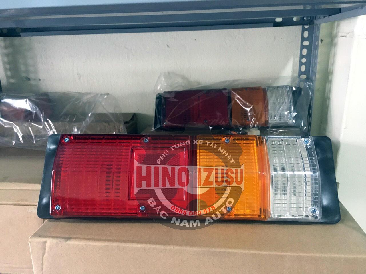 ĐÈN HẬU XE TẢI HINO 300 WU, 300 DUTRO
