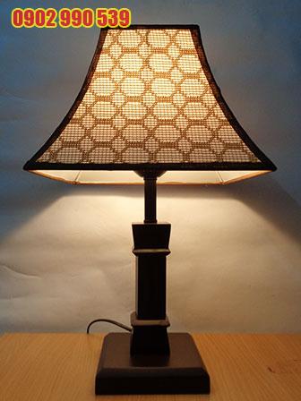Đèn ngủ để bàn bằng gỗ - ĐG14