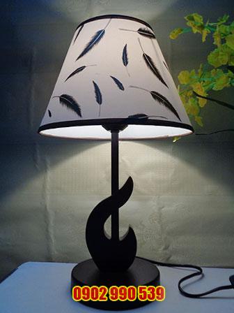 Đèn ngủ để bàn bằng gỗ - ĐG20