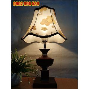 Đèn ngủ để bàn bằng gỗ - ĐG10