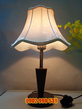 Đèn ngủ để bàn bằng gỗ - ĐG19