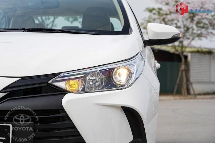 Cụm đèn pha cốt xe Vios E CVT tự động 2021