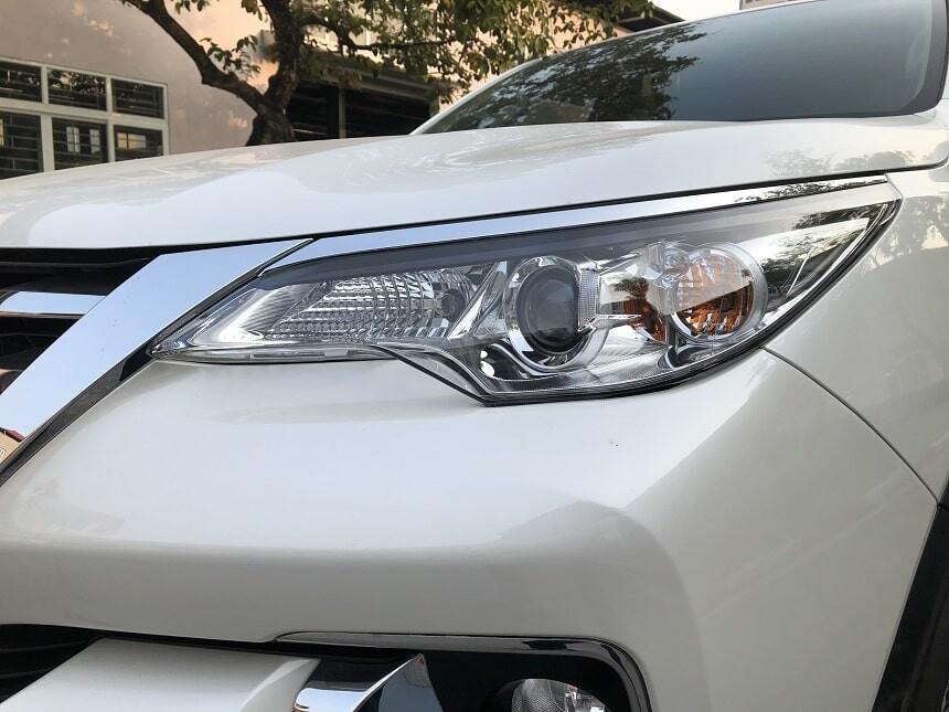Cụm đèn pha trên Toyota Fortuner