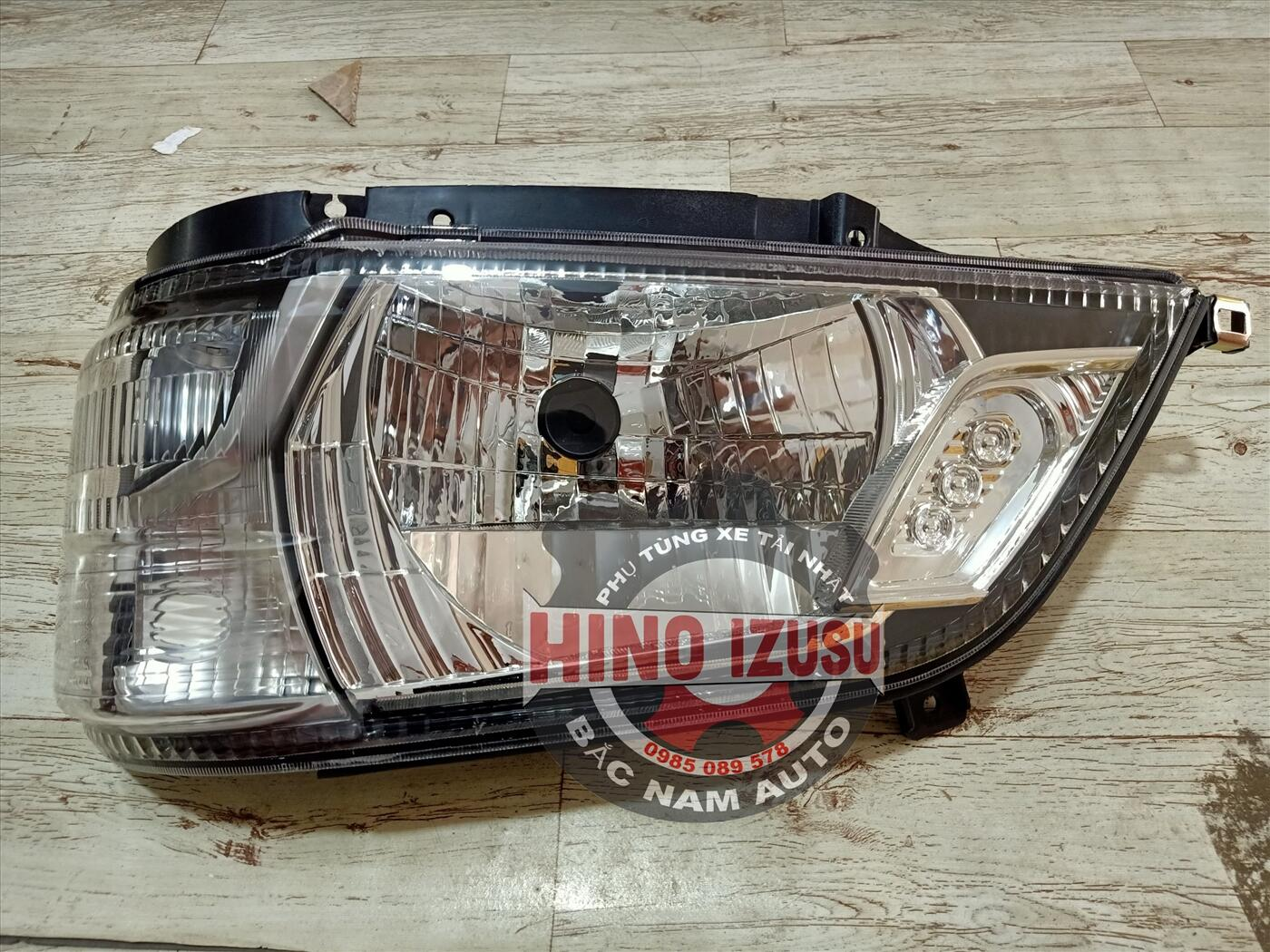 Đèn Pha Xe Tải HINO 300 XZU 650L