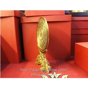 Biểu trưng mặt trống đồng đk 20cm đế đồng cao 35cm