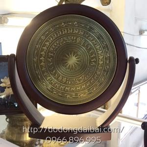 Biểu trưng mặt trống đồng gỗ 30cm