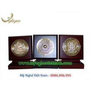 Đĩa quà tặng lưu niệm bằng đồng gỗ đặc biệt