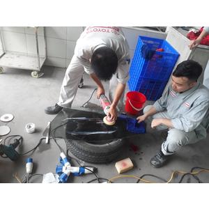 Dịch vụ phục hồi kính Toyota Long Biên