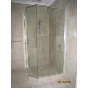 Dịch vụ tẩy ố kính phòng tắm, hồ bơi, lan can..