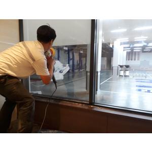 Dịch vụ tẩy ố kính xe hơi, phòng tắm kính, vách tắm kính tại nhà Quận 2, Quận 3, Quận 5, Quận 6