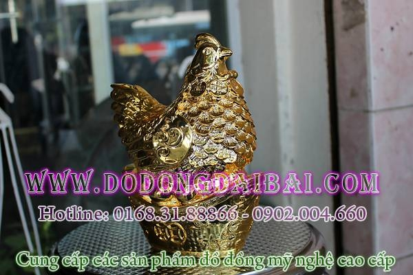 Tượng gà đồng mạ vàng, gà để trứng vàng lông tiền phong thủy chiều cao 18cm, tượng gà mái ngồi trên tiền kim nguyên bảo được mạ vàng ròng 18k cao cấp