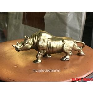 Tượng tê giác đồng dài 18cm để bàn làm việc công ty