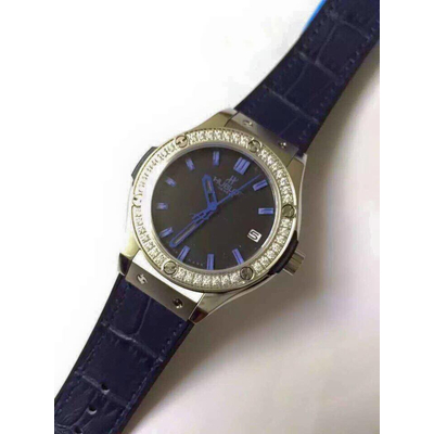 Đồng hồ nữ Hublot classic bazel diamond dial dark blue HBL050