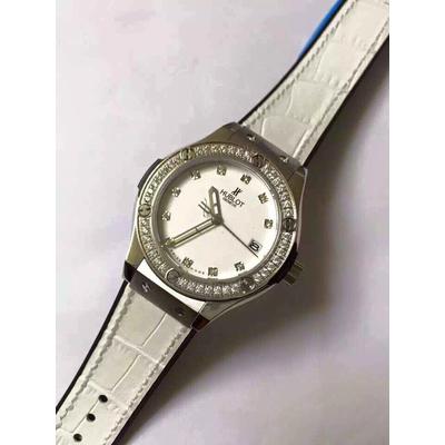 Đồng hồ nữ Hublot classic bazel diamond dial white HBL045