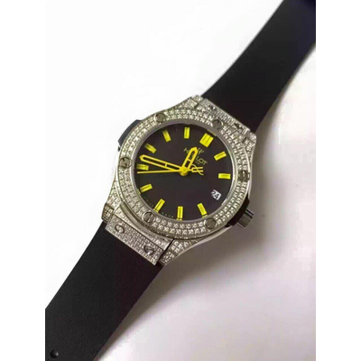 Đồng hồ nữ Hublot full diamond gold dial black rubber strap HBL061