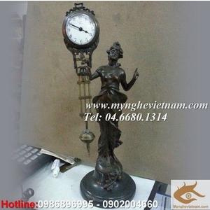 Đồng hồ thiếu nữ, đồng hồ bằng đồng