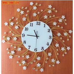 Đồng hồ treo tường dây hoa nghệ thuật