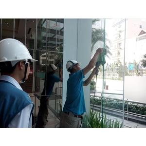 Dự án phục hồi kính trầy xước tại tòa C3 khu Vinhome Center Tân Cảng