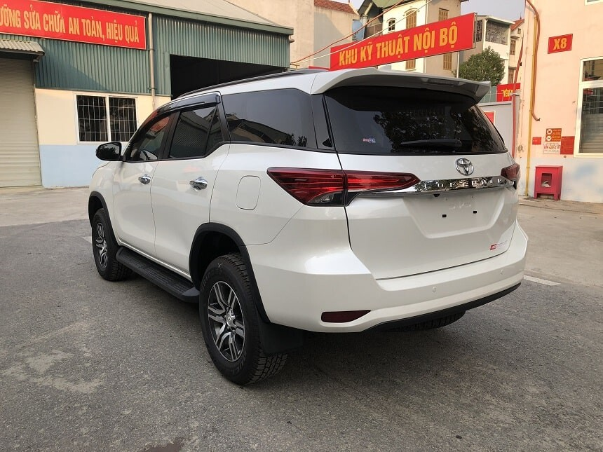 Toyota Fortuner 2.4G AT