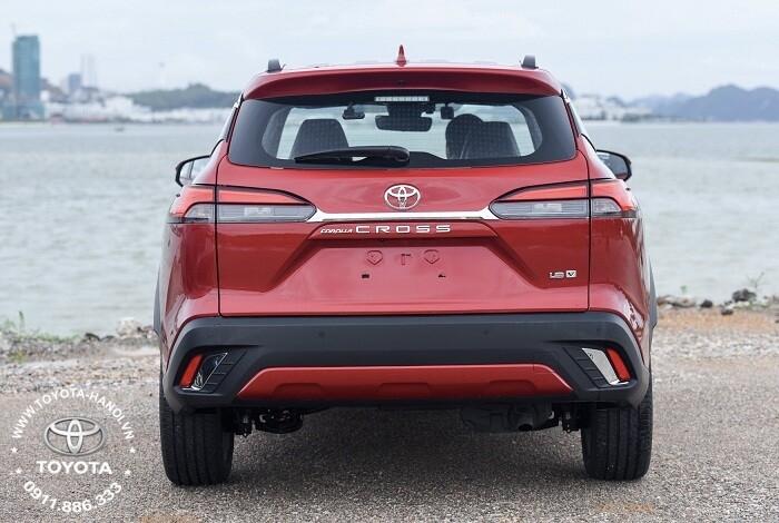 Đuôi xe toyota cross 2021 bản 1.8v xăng cao cấp màu đỏ