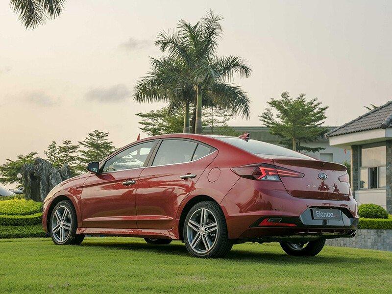Hyundai Elantra Sport 1.6 T-GDI