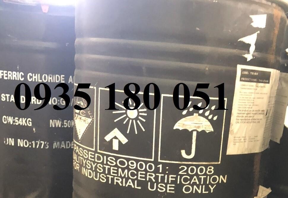 Ferric Choride FeCl3 (dạng rắn)