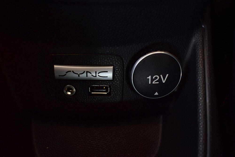 Hệ thống điều khiển bằng giọng nói SYNC