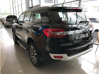 Ford Everest Trend 2.0L 4X2 AT