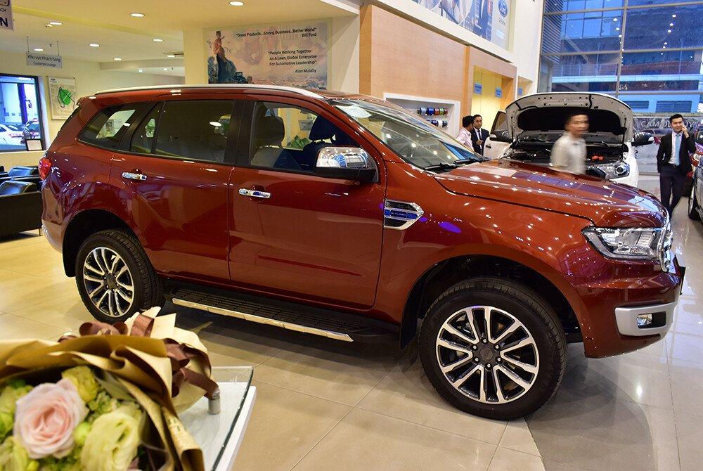 Ford Everest 2.0L Bi-Turbo Giá Rẻ